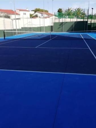 empresa fabricante pistas de tenis españa