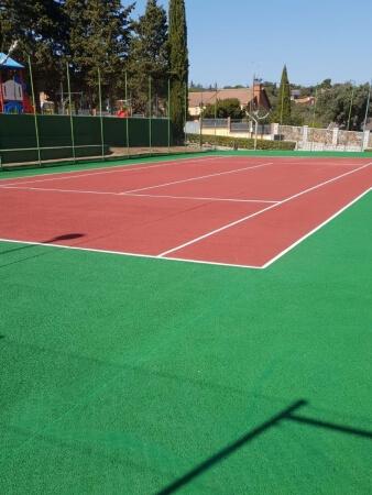 empresa fabricante pistas de tenis ciudad real