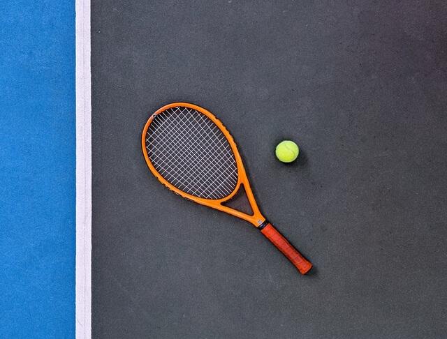 pista de tenis de resina